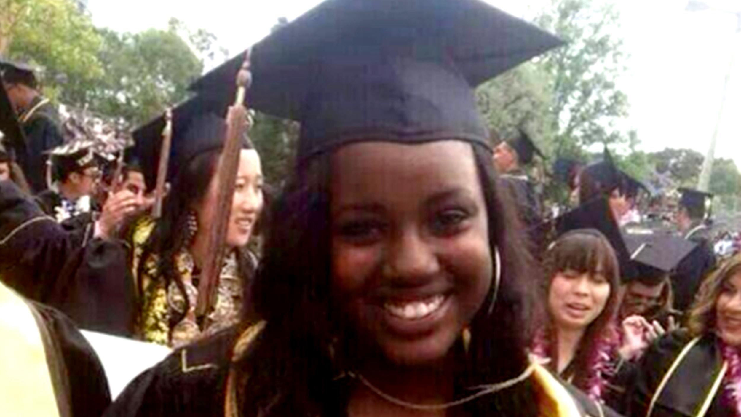 Breast-feeding mom\'s college graduation photo stirs controversy