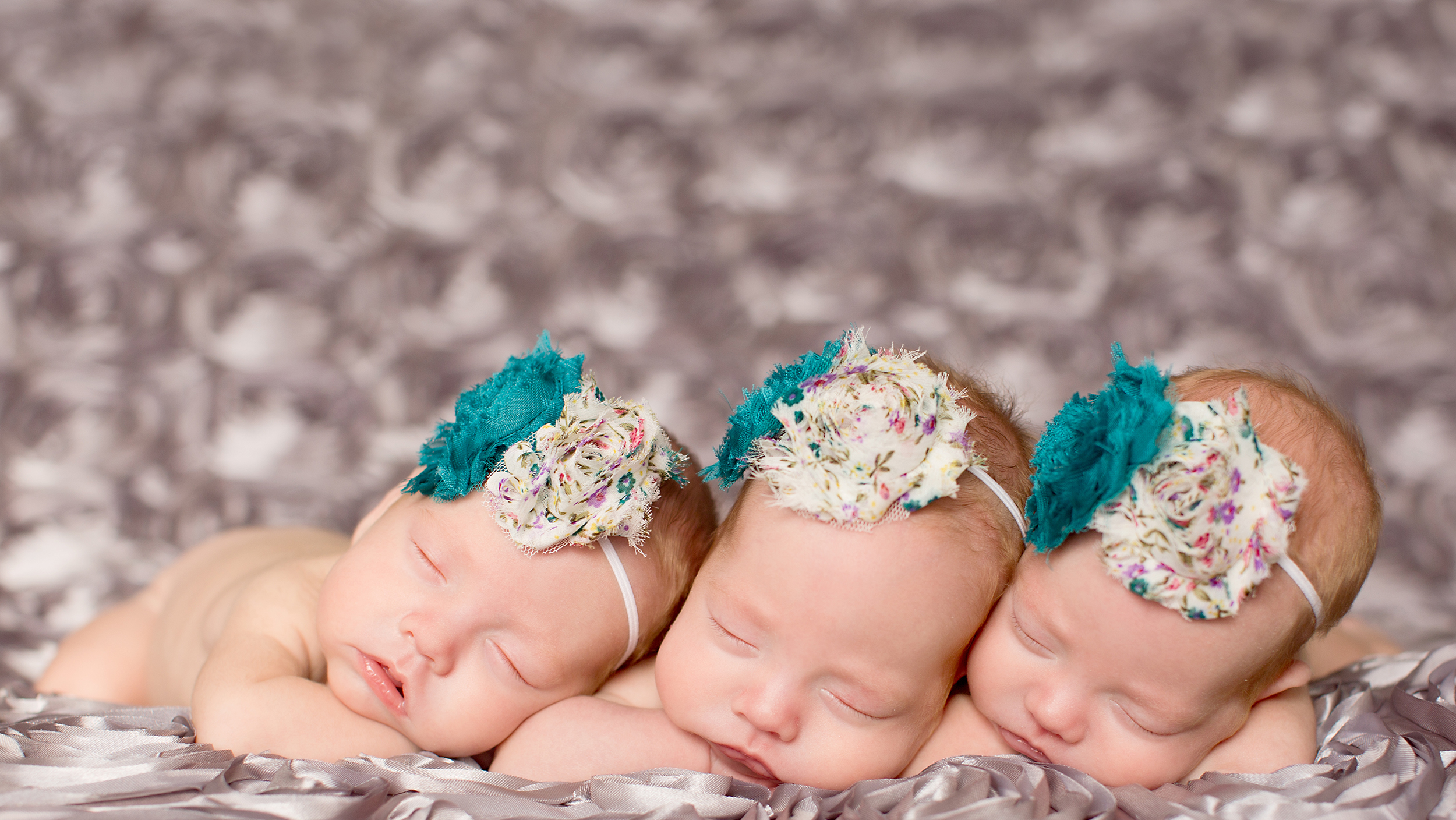 identical triplet babies - photo #21