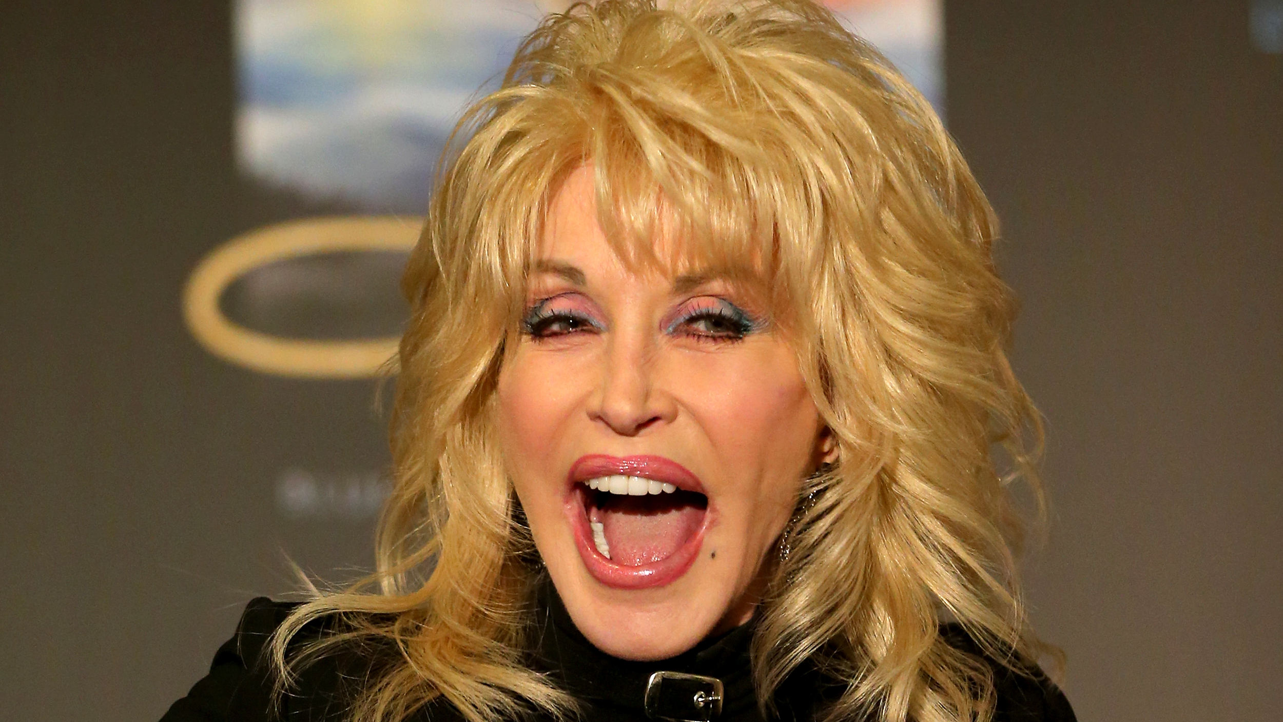 Dolly Parton: 5 Style Lessons We Can Learn From Dolly Parton
