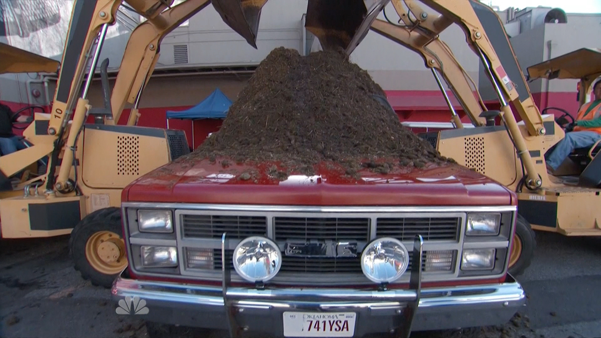 Voice' coach Adam Levine dumps manure on Blake Shelton's truck for