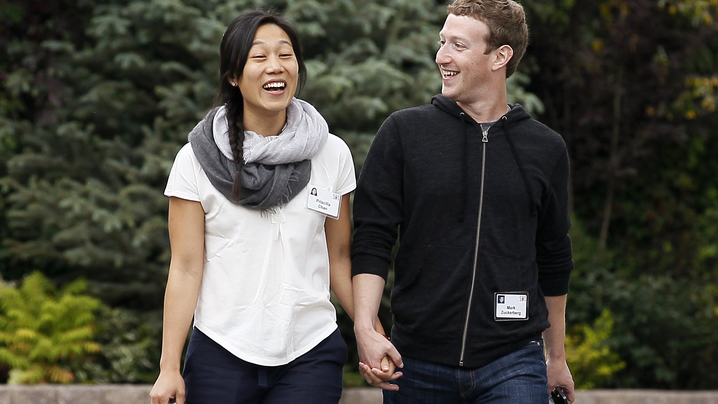 Facebook's Mark Zuckerberg, Wife Priscilla Chan, Donate