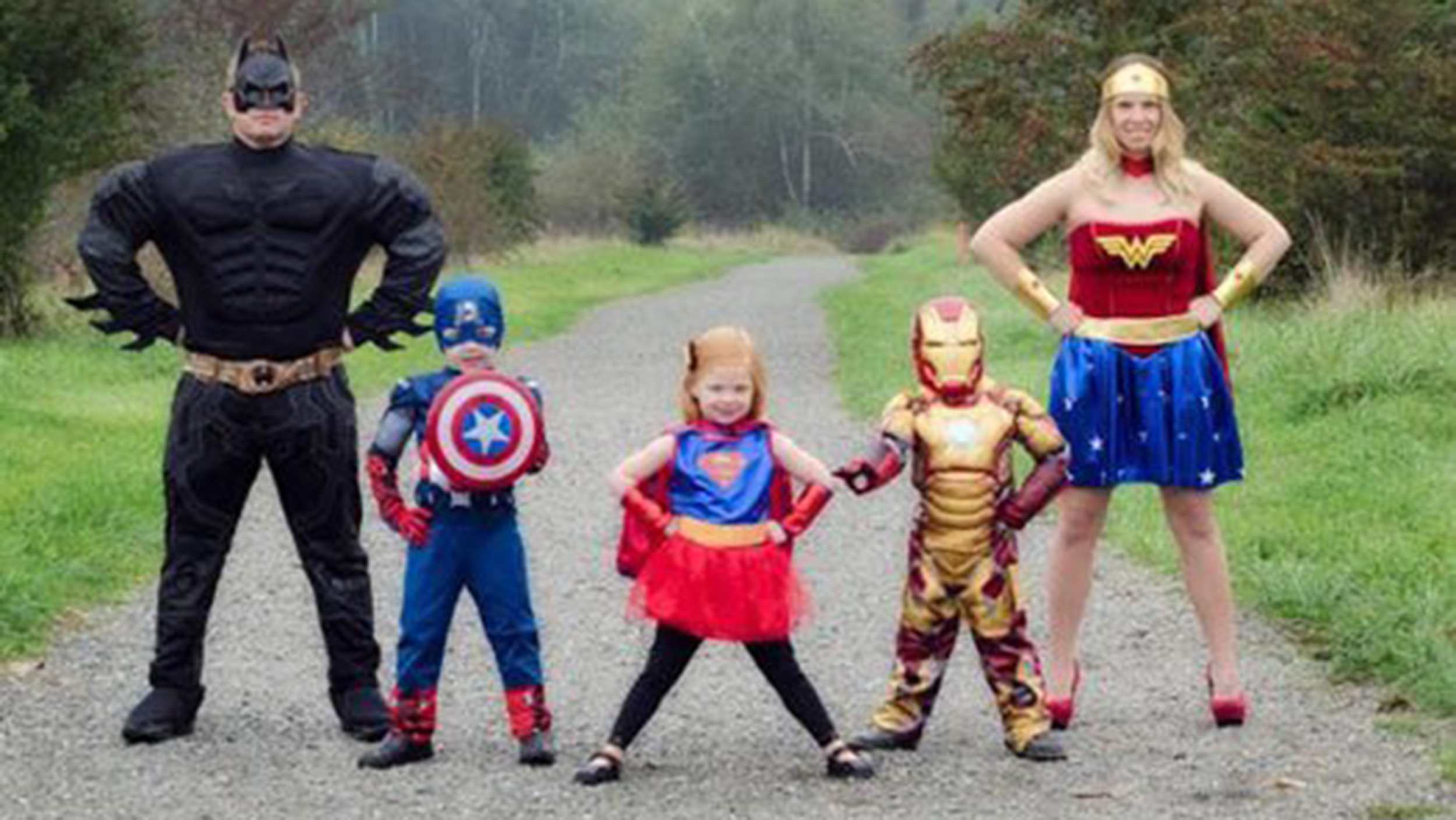 19 of the cutest family theme costumes for halloween todaycom - Family Halloween Costumes For 4