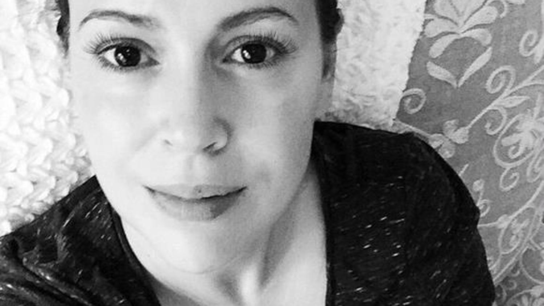 Alyssa Milano shares breastfeeding photo of baby daughter