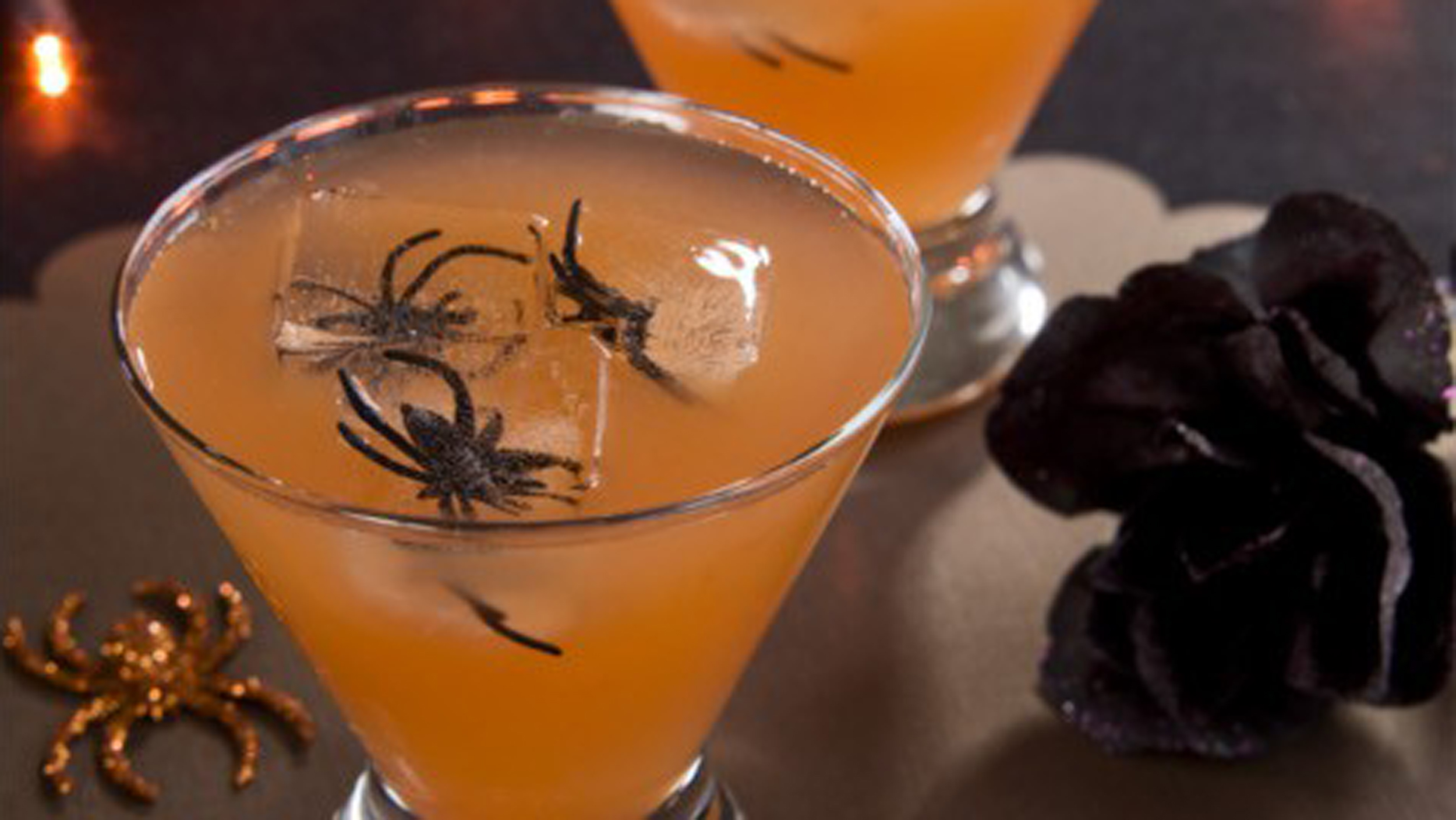 pick your poison! 10 spooky halloween drink recipes