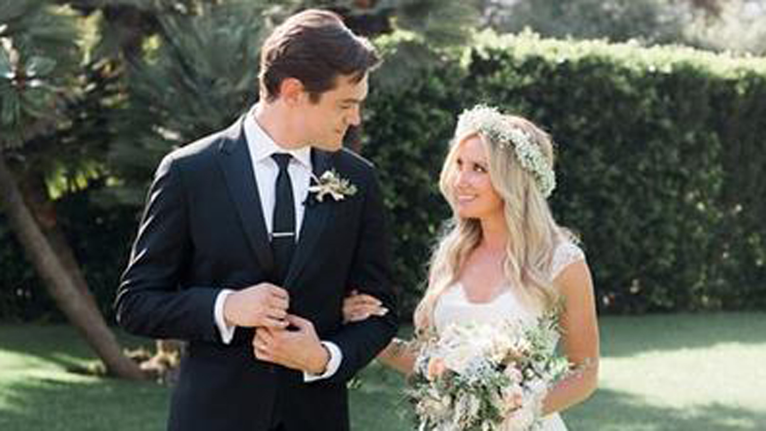 Ashley tisdale shares wedding photo on instagram today ombrellifo Image collections