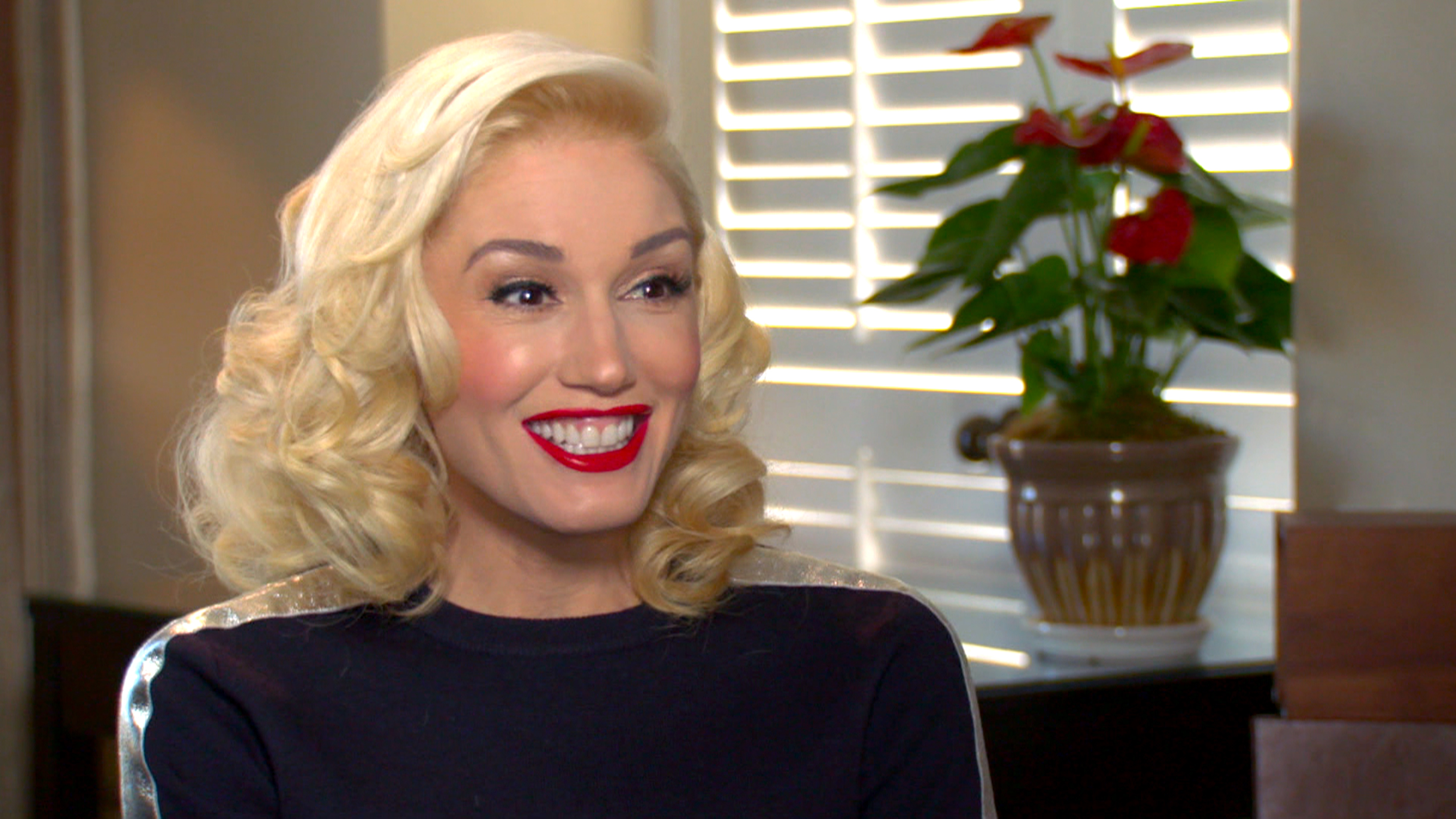 Gwen stefani latest news images and photos crypticimages sciox Gallery