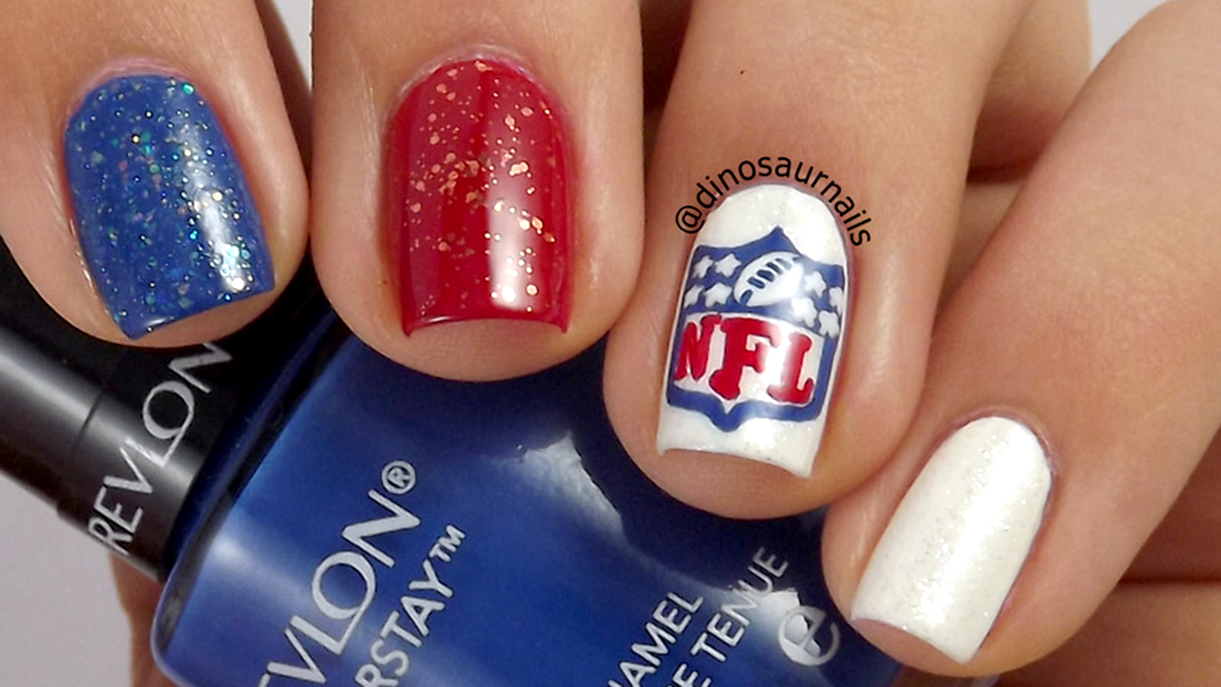 Super Bowl nail art for Seahawks and Patriots fans