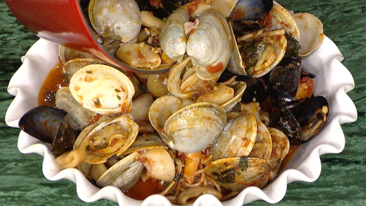 7 simple seafood recipes for christmas eve for Feast of the seven fishes giada