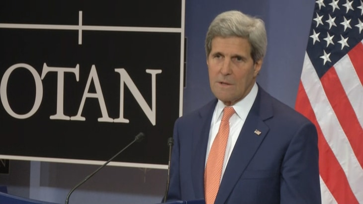 Kerry mulls options on Iraq, Ukraine