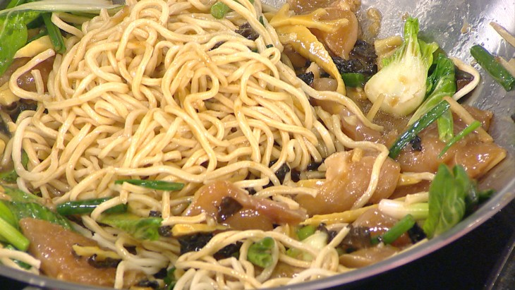 Oodles of noodles for Chinese New Year - Video on TODAY.com