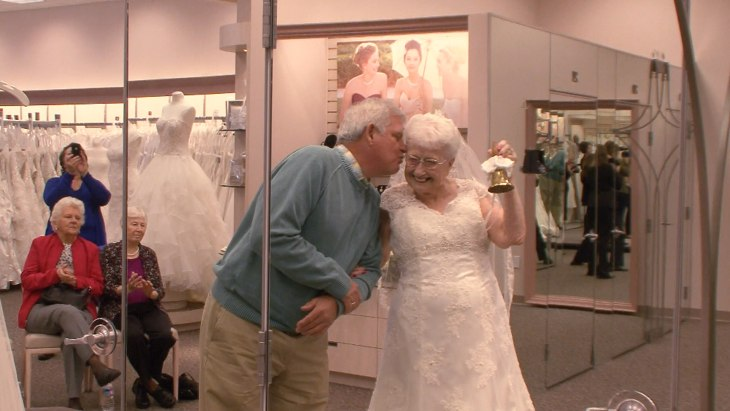 Wedding Dresses For 70 Year Olds : Year old fulfills dream to wear a wedding dress today
