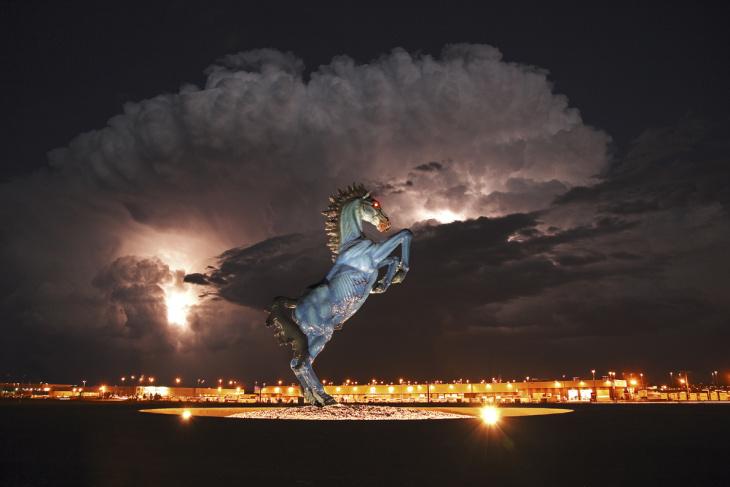 EL RAYO DE LUCIFER - Página 6 1C6184593-lightning-smaller.blocks_desktop_large