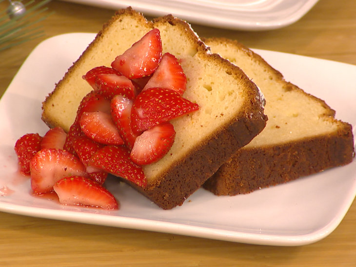 5 Sinfully Sweet Recipes For National Pound Cake Day