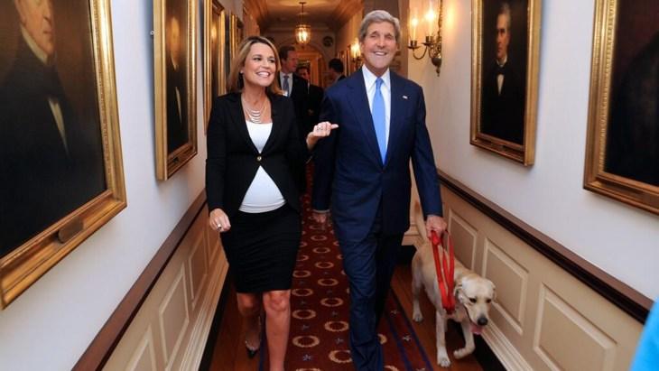 Ο ανυπάκουος σκύλος του Αμερικανού υπουργού...