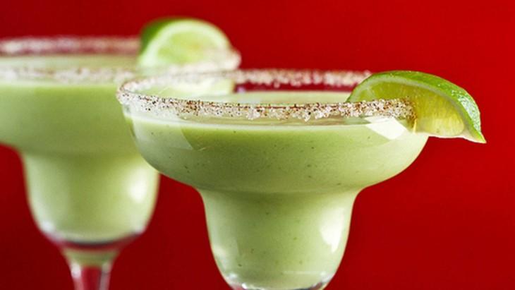 Holy guacamole: Creative and delicious guacamole recipes ...