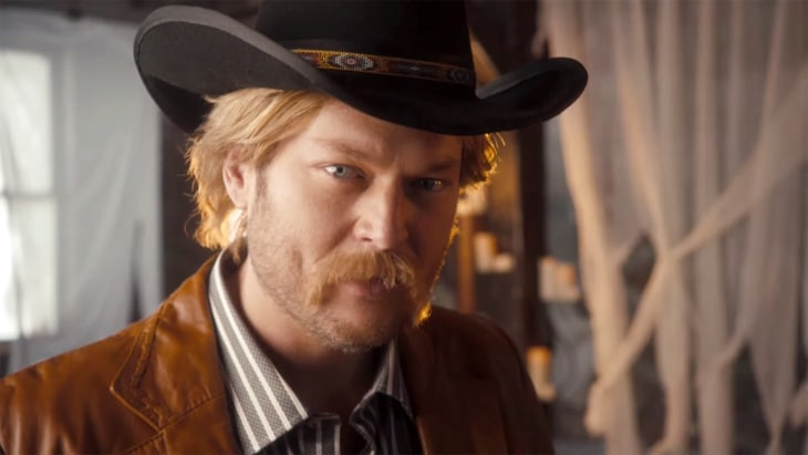 Blake Shelton Belts Out Hilarious Country Music Spoof On