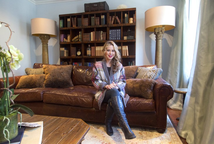 at home with today inside tara lipinski 39 s 39 cozy 39 living room. Black Bedroom Furniture Sets. Home Design Ideas