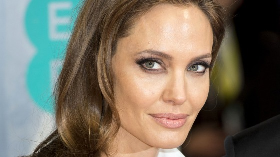 ANGELINA JOLIEs Unbroken hero was her neighbor all along - Pop.