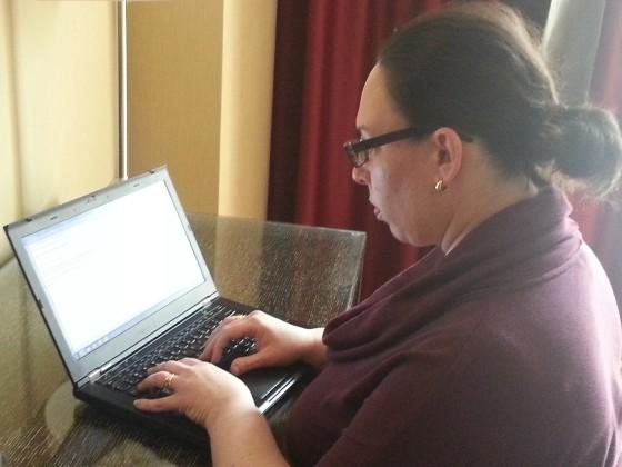 Natalie Roisman at computer