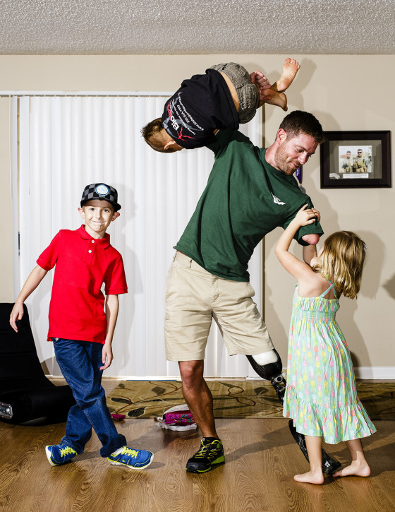 A father of three from Alabaster, Alabama, Noah Galloway has become a regular participant in endurance races and CrossFit events while also starting a charity to help prevent childhood obesity in Alabama.