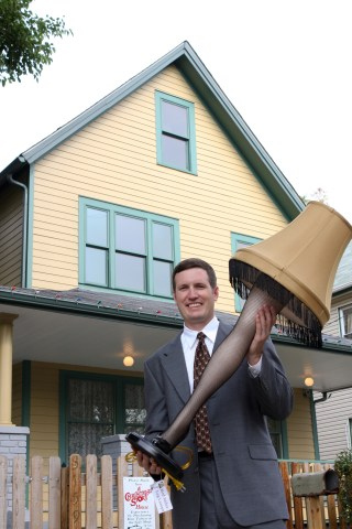 Brian Jones, A Christmas Story House & Museum, leg lamp