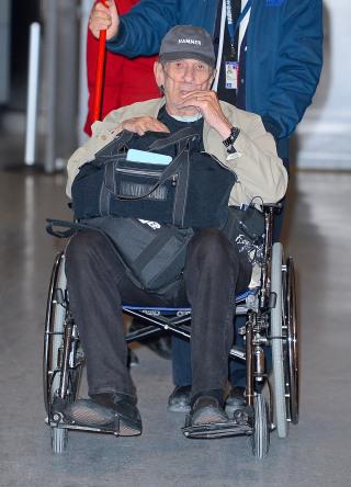Leonard Nimoy Wheelchair Leonard Nimoy urges sm...