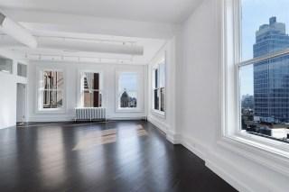 Kristen Wiig is listing her SoHo loft for $2.595 million.