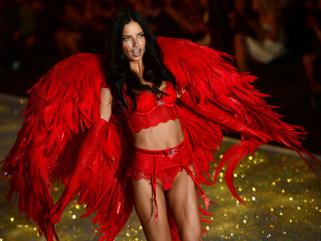Supermodels strut Victoria's Secret Fashion Show - TODAY.com