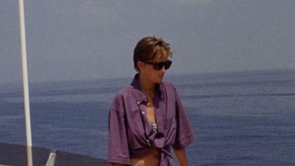 Princess Diana rocks a bikini