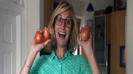 Easy Does it with Katie Quinn: Video of chopping onions without tears