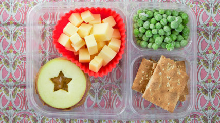 Apple sandwich is great for school lunch.