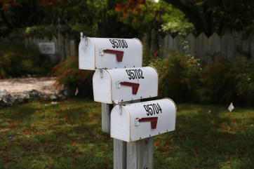 Having a mailbox that locks is a simple way to prevent identity theft.