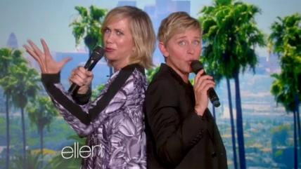 Image: Kristen Wiig and Ellen DeGeneres
