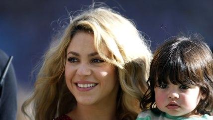 Image: Singer Shakira carries her son Milan.