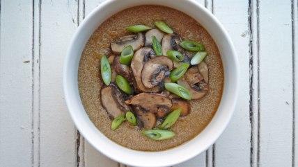 Amaranth porridge with mushrooms