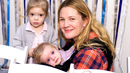 Image: Drew Barrymore, with daughters Olive and Frankie.