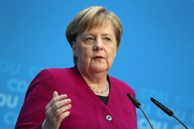 Angela Merkel rəsmi olaraq Almaniya kansleri vəzifəsini tərk etdi
