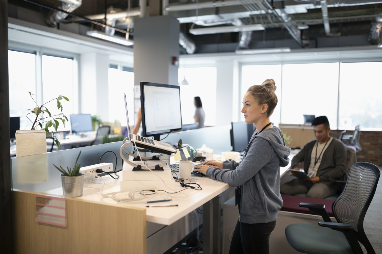Image of: The Best Way To Use A Standing Desk And What To Buy To Maximize The Benefits