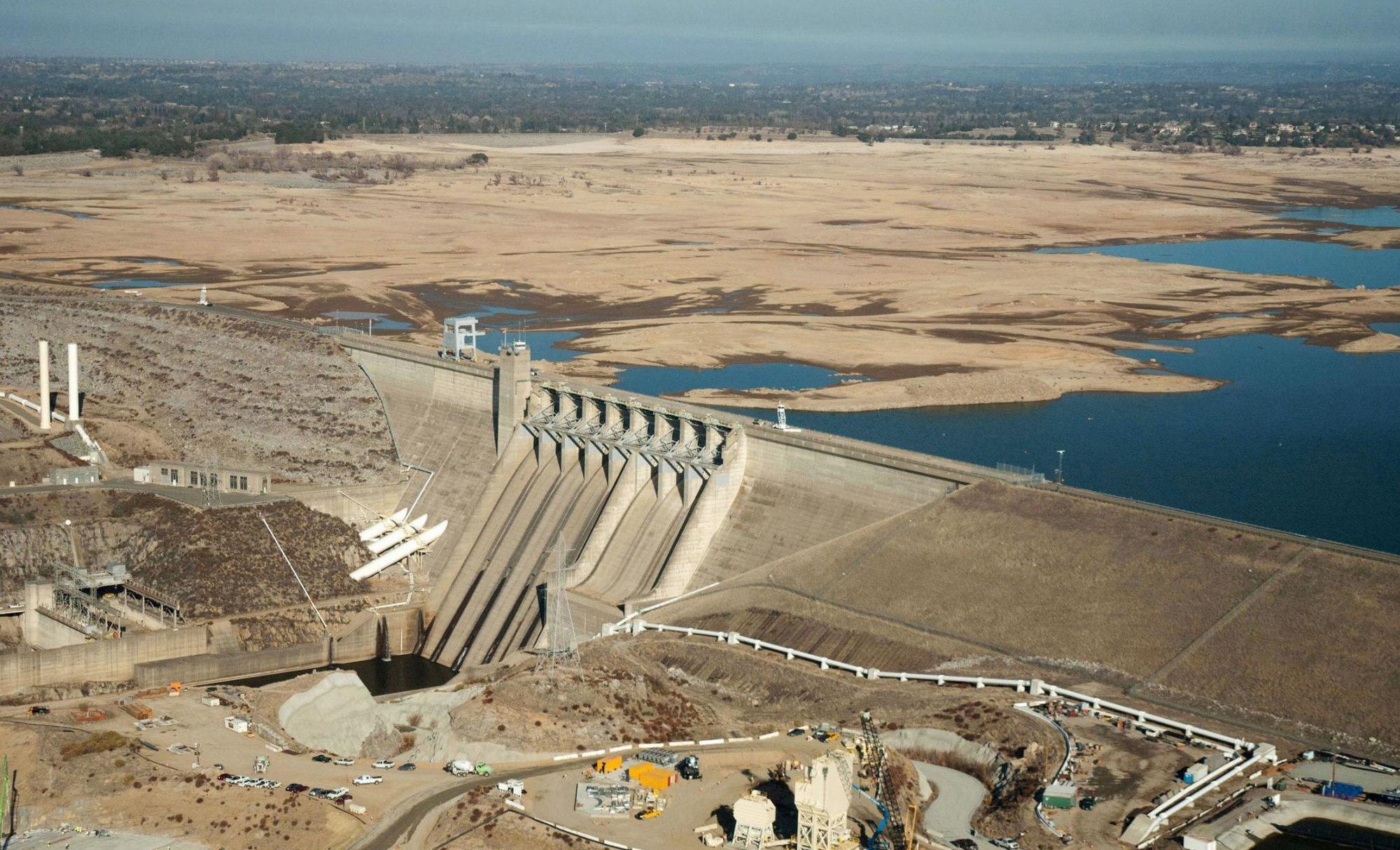 140226-folsom-lake-drought-january-720a.jpg