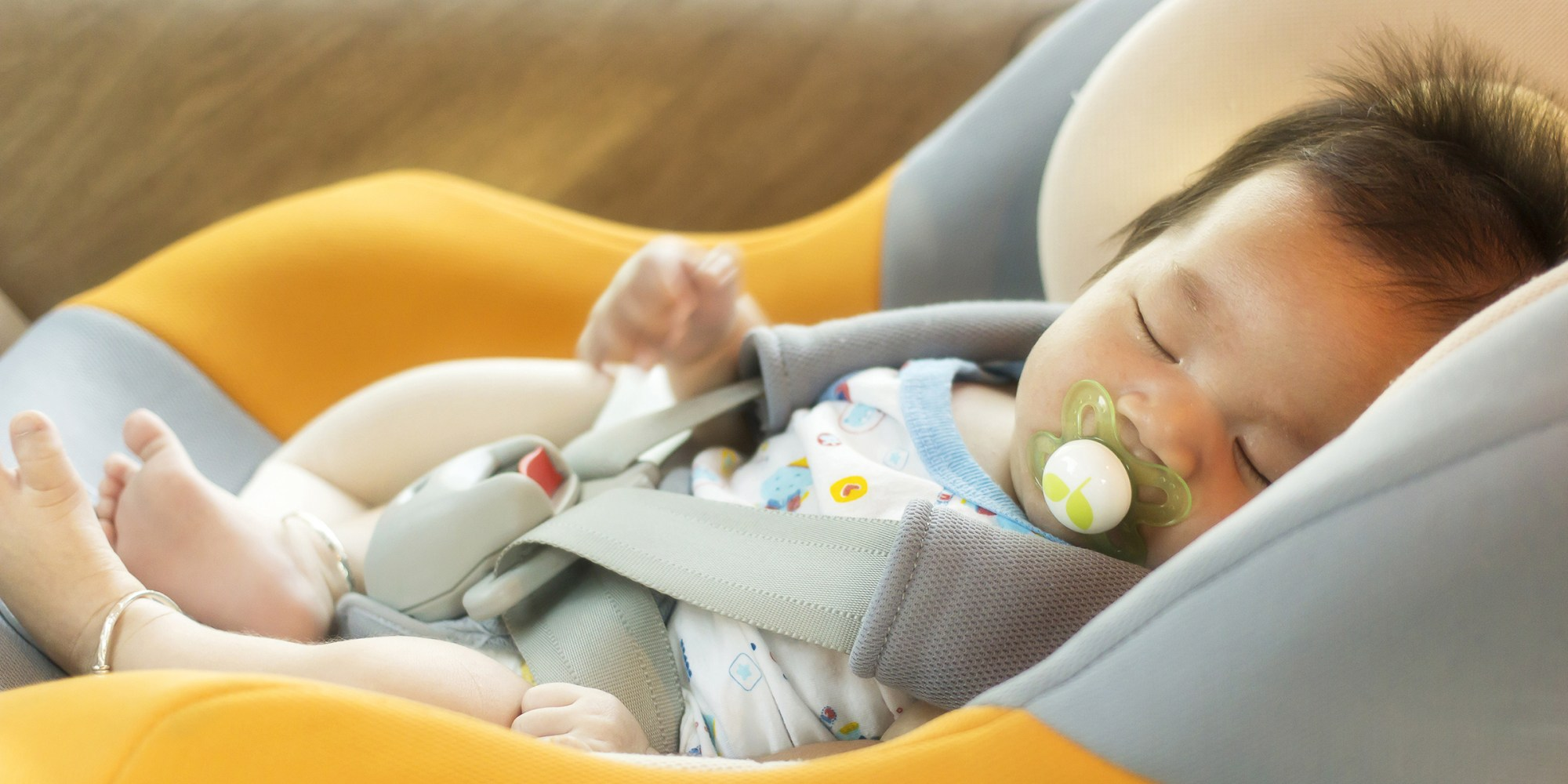 Babies shouldn't sleep in car seats when not traveling
