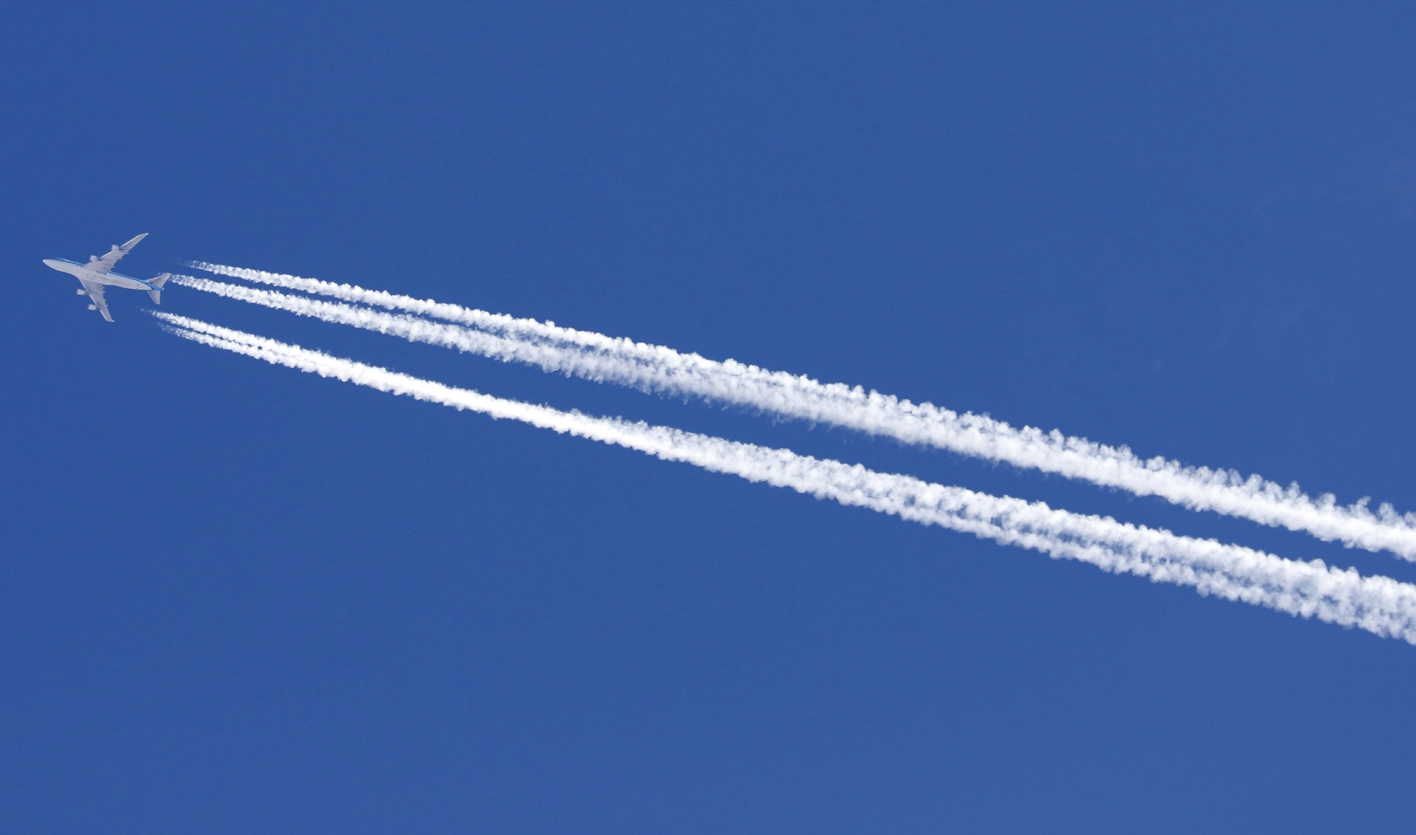 Airplane Contrails the Hidden Climate Culprit