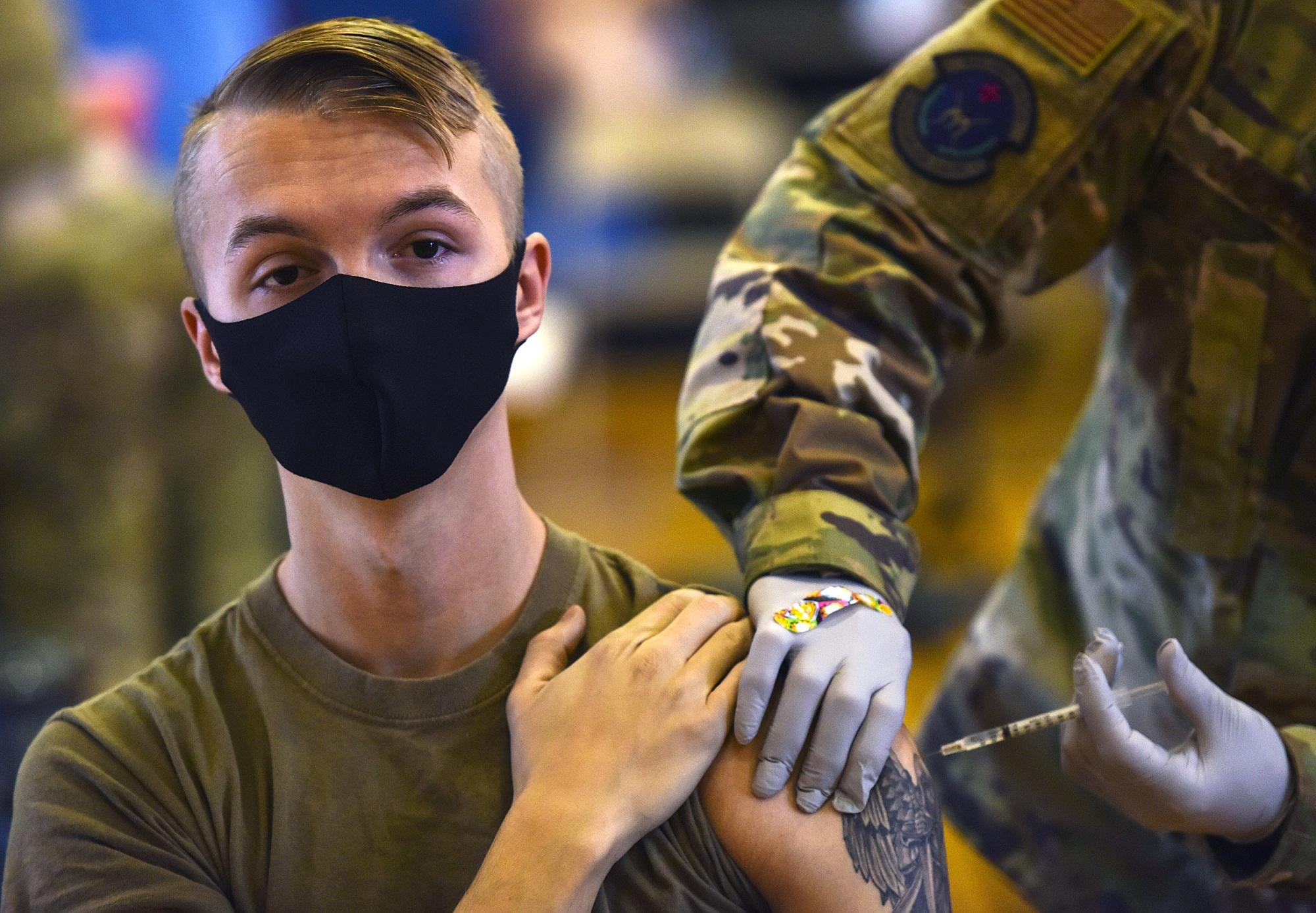 Tausende Armeeangehörige lehnen Covid-Impfung ab