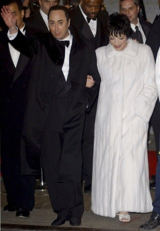 David Gest And Liza Minelli Arrive For Their Wedding Reception At The Wall Street Regent Hotel In New York On March 16 2002 CHIP EAST Reuters