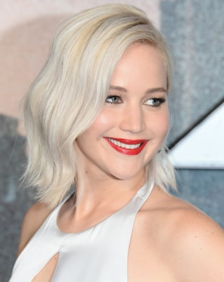 Jennifer Lawrence With Creamy Blonde Hair Color
