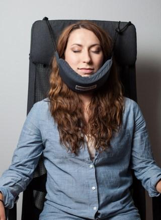 Head Hammock Neck Pillow Helps You Sleep On A Plane