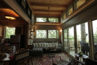 the interior of the finished treehouse wtv treehouse masters animal planet - Treehouse Masters Interior