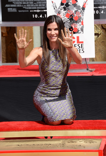Sandra Bullock tight jeans booty | Celebrity Booty and Curves