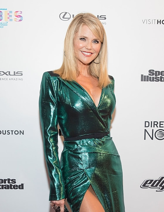 Christie Brinkley Cuts Her Hair Into A Lob See Her New Look