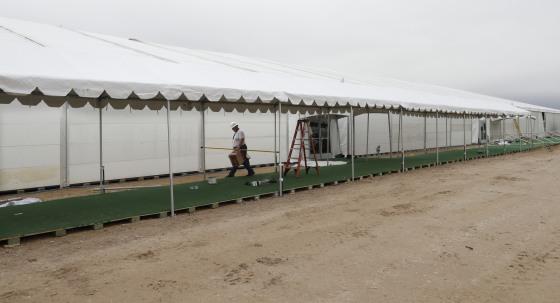 Trump admin won't build shelter at border for migrants