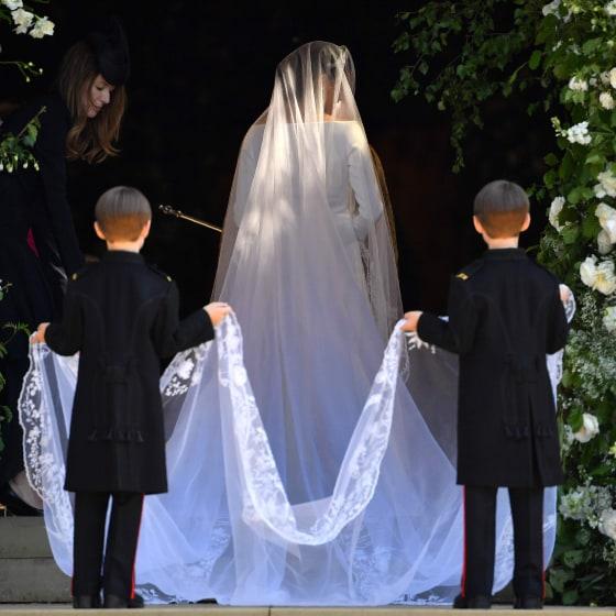 Who Designed Megan S Wedding Dress.I Am Sorry I Hated Megans Markles Wedding Dress Page 12